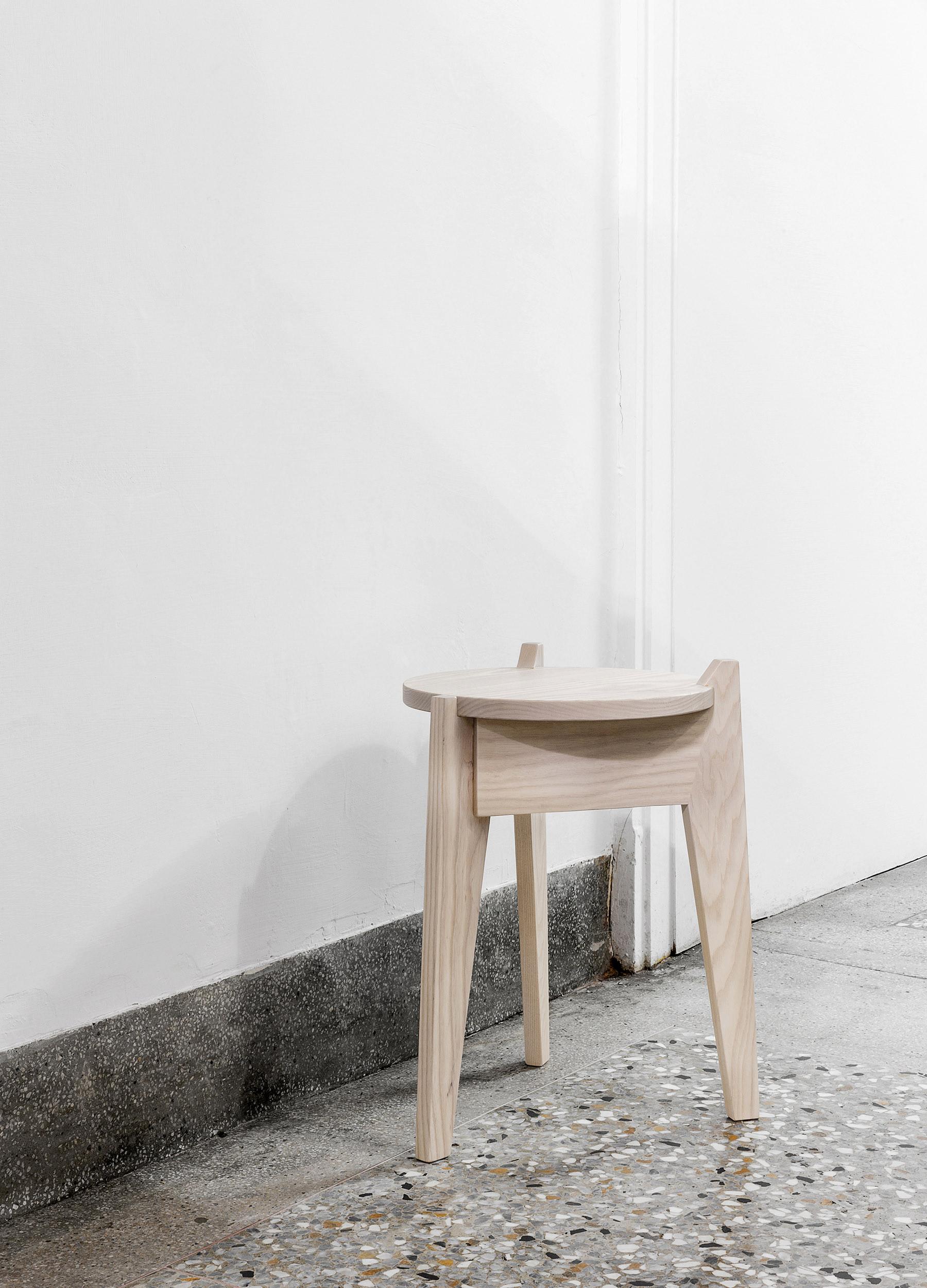 Milk stool milky white 01-1.jpg