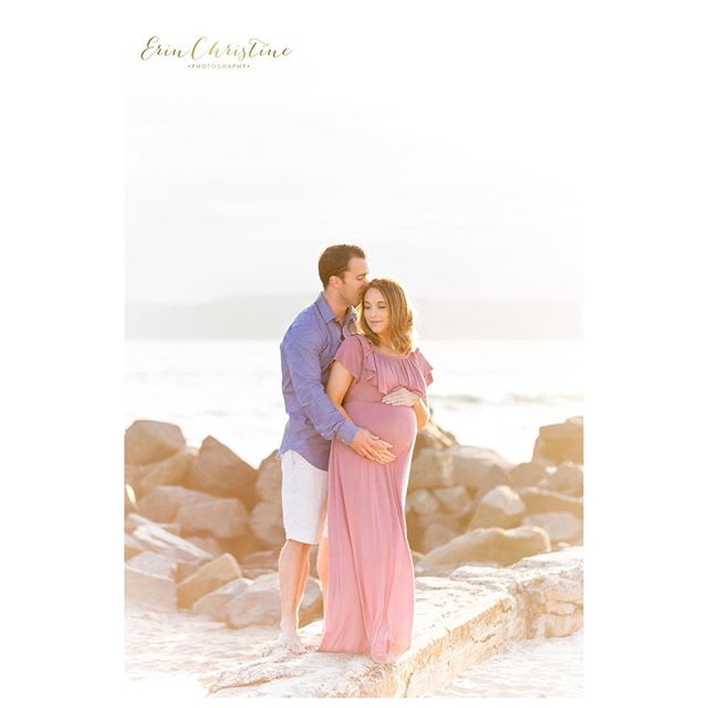 It's important to get a good couple shot while your toddler plays in the sand in front of you. . . . . . . . . . . . . . . . . .  #maternity #pregnancy #thebump #babybump #motherhood #expectant #expecting #mommyandme #family #sandiegofamilyphotography #sdmoms #momtobe  #communityovercompetition #therisingtidesociety #expectful #sandiegomaternityphotgrapher #themotherhoodanthology #thefountcollective #californiamama #letsclicksoc #socalmom  #maternityfashion #sandiegofamilyphotographer #sandiegobaby #34weekspregnant #organicphotography #coronado #coronadobeach #bigsister #thehavenway