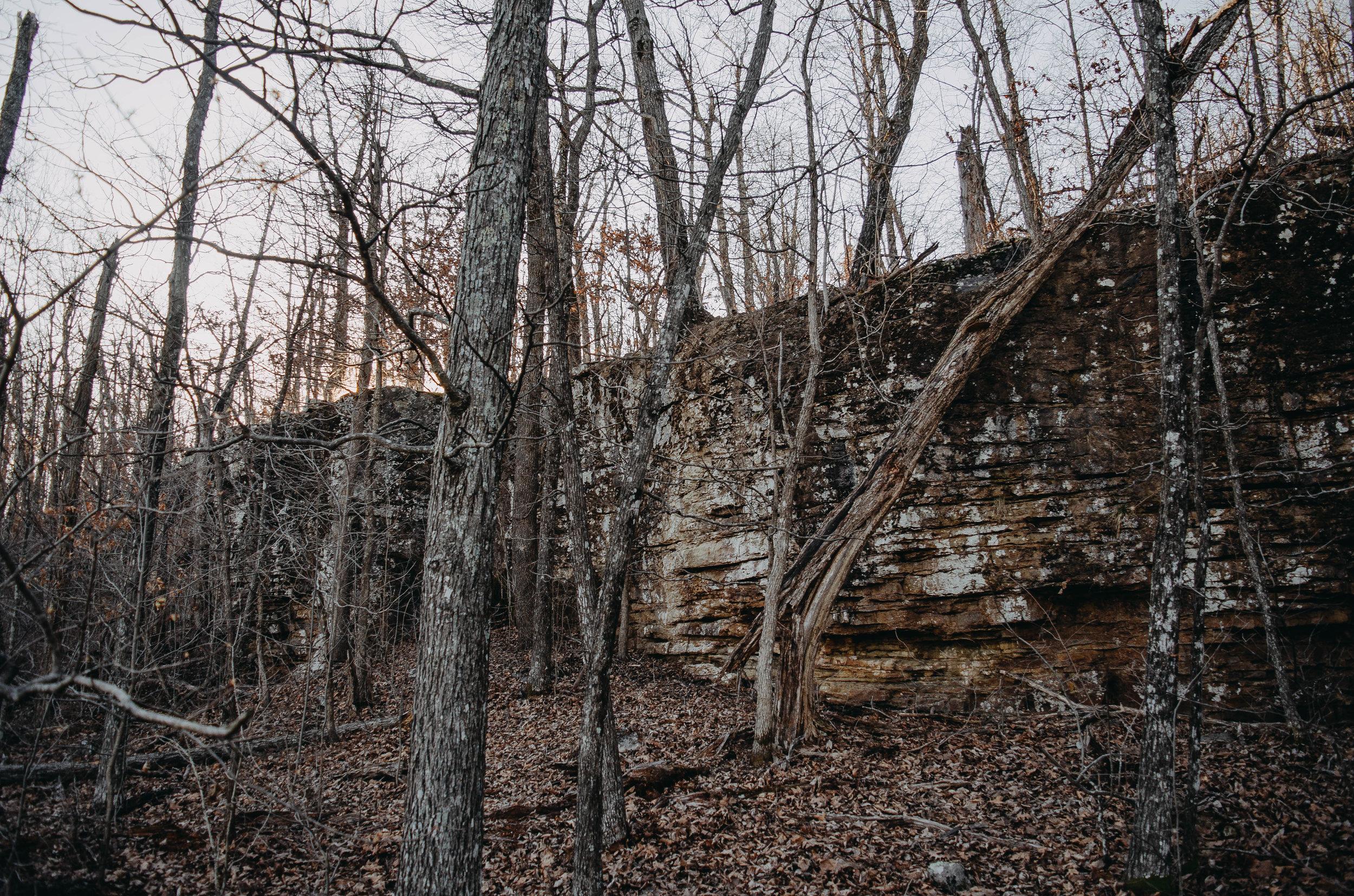 The path follows eastward along the small cap-rock bluff