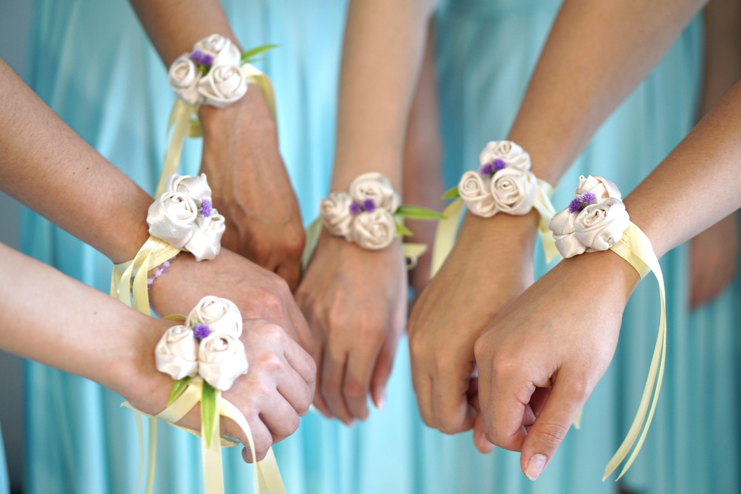oh jaffa - wedding wrist corsages
