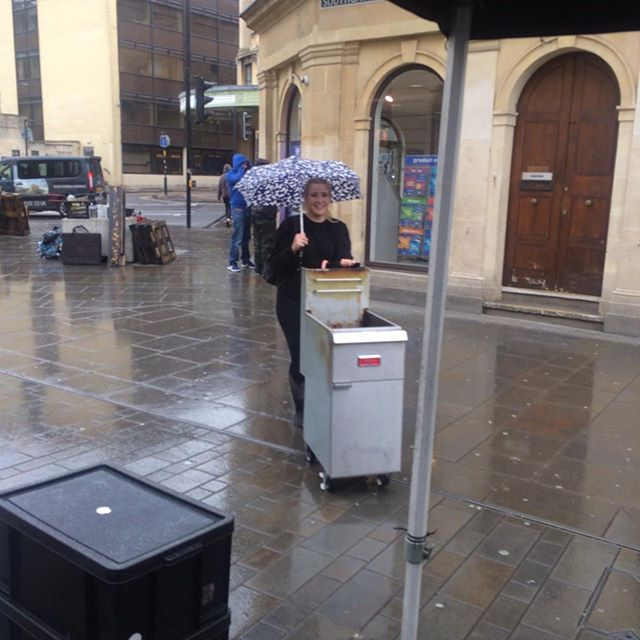 That's right people!! LJs are braving the rain. Even @elleingram55 pulls off the 'singing in the rain' look. Come on down 12-4..we look forward to seeing all your beautiful faces #wetwetwet#foodporn#bathonian #chickenfamily