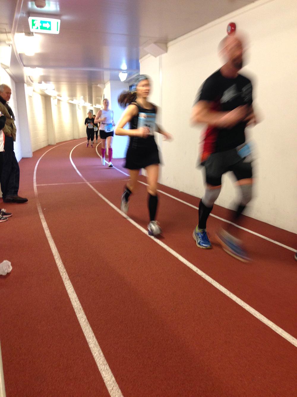 Från förra årets Bislett 24-timmars. Då var vi där för att se och lära. Nu är det dags att springa.