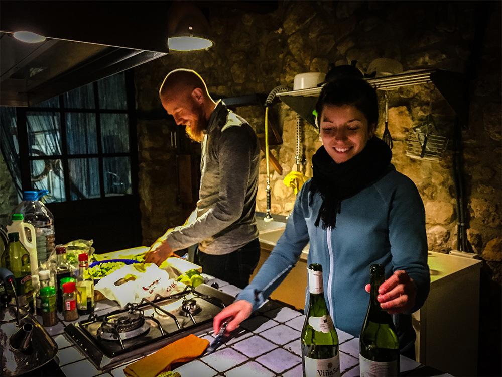 Vår egen kock Audrey lagade fantastisk vegetarisk mat åt oss, men ibland pysslade vi lite själva i köket.