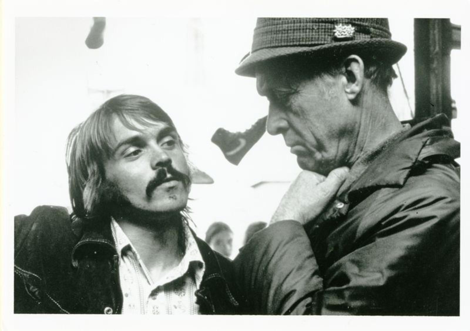 Steve Prefontaine i samtal med coach Bill Bowerman. Och en #lunarepic sko i bakgrunden?!?