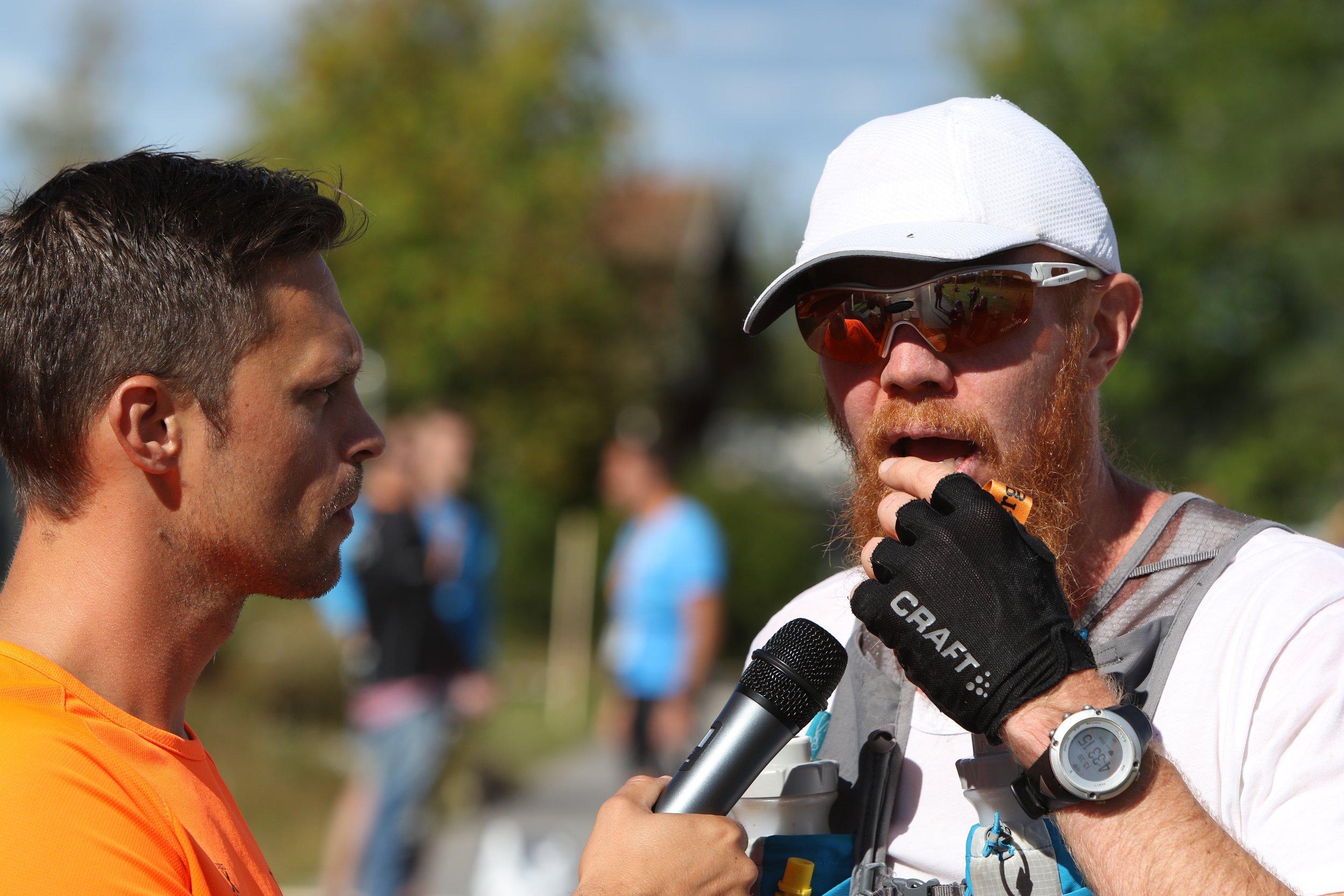 Måste erkänna att jag var lite trött när jag kom i mål och blev intervjuad... Foto   Anders Eriksson, #bergslagsledenultra.