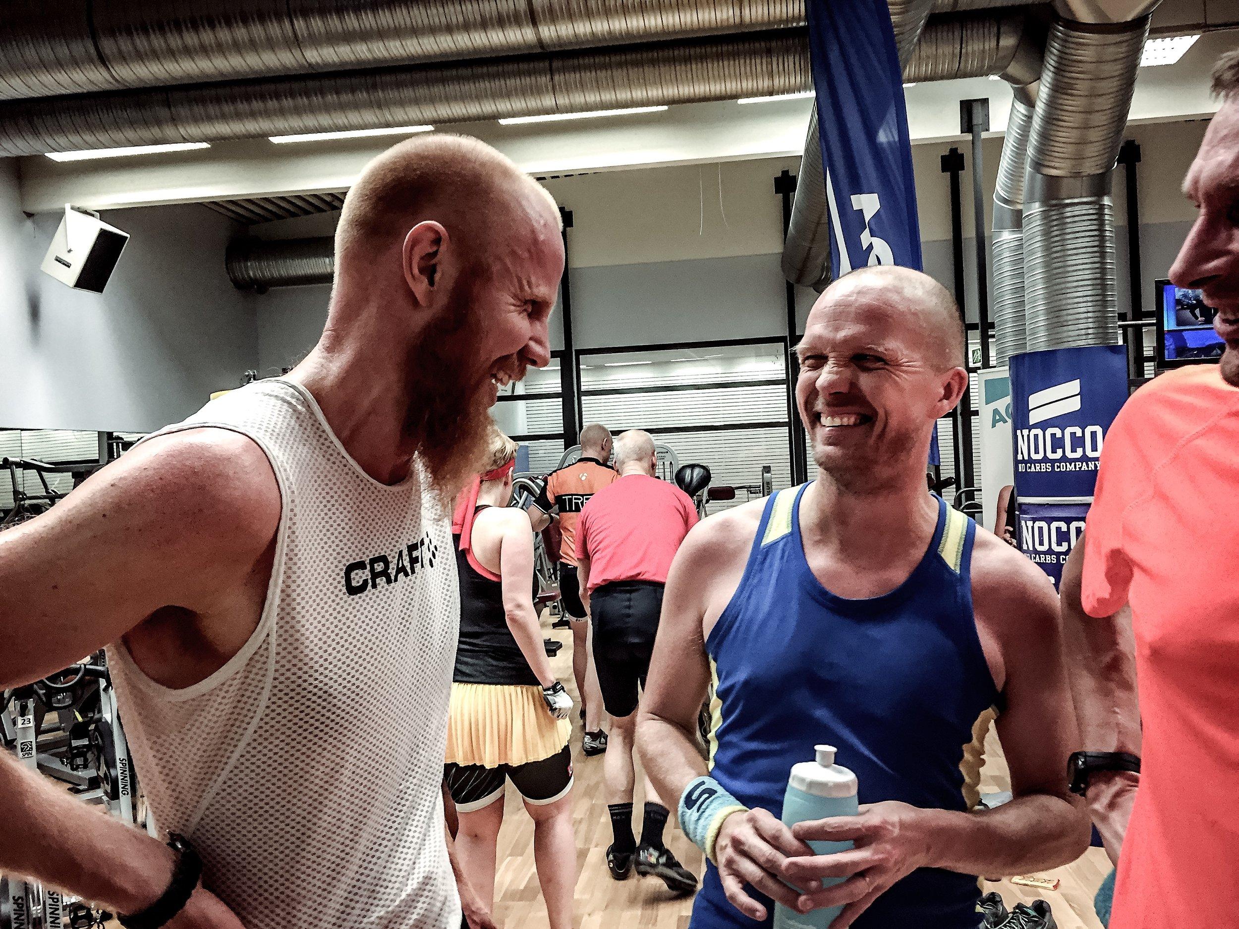 Johnny och Christer, smågalna 6-timmars-löpare.