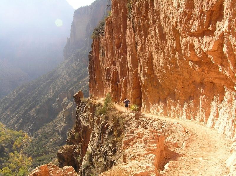 Fritjof under Rim-to-rim-to-rim-löpningen i Grand Canyon