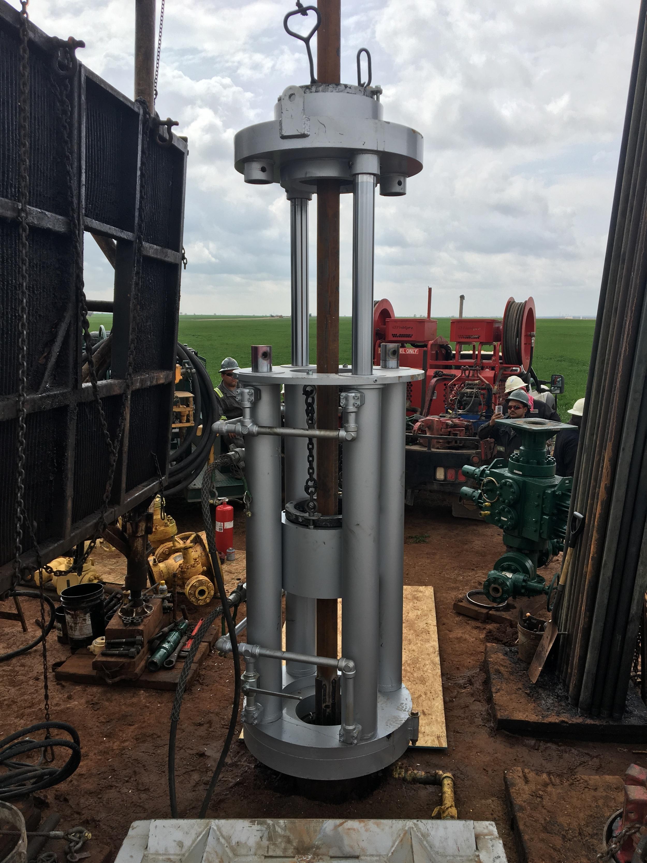 Model 282 casing jack - two cylinder operation