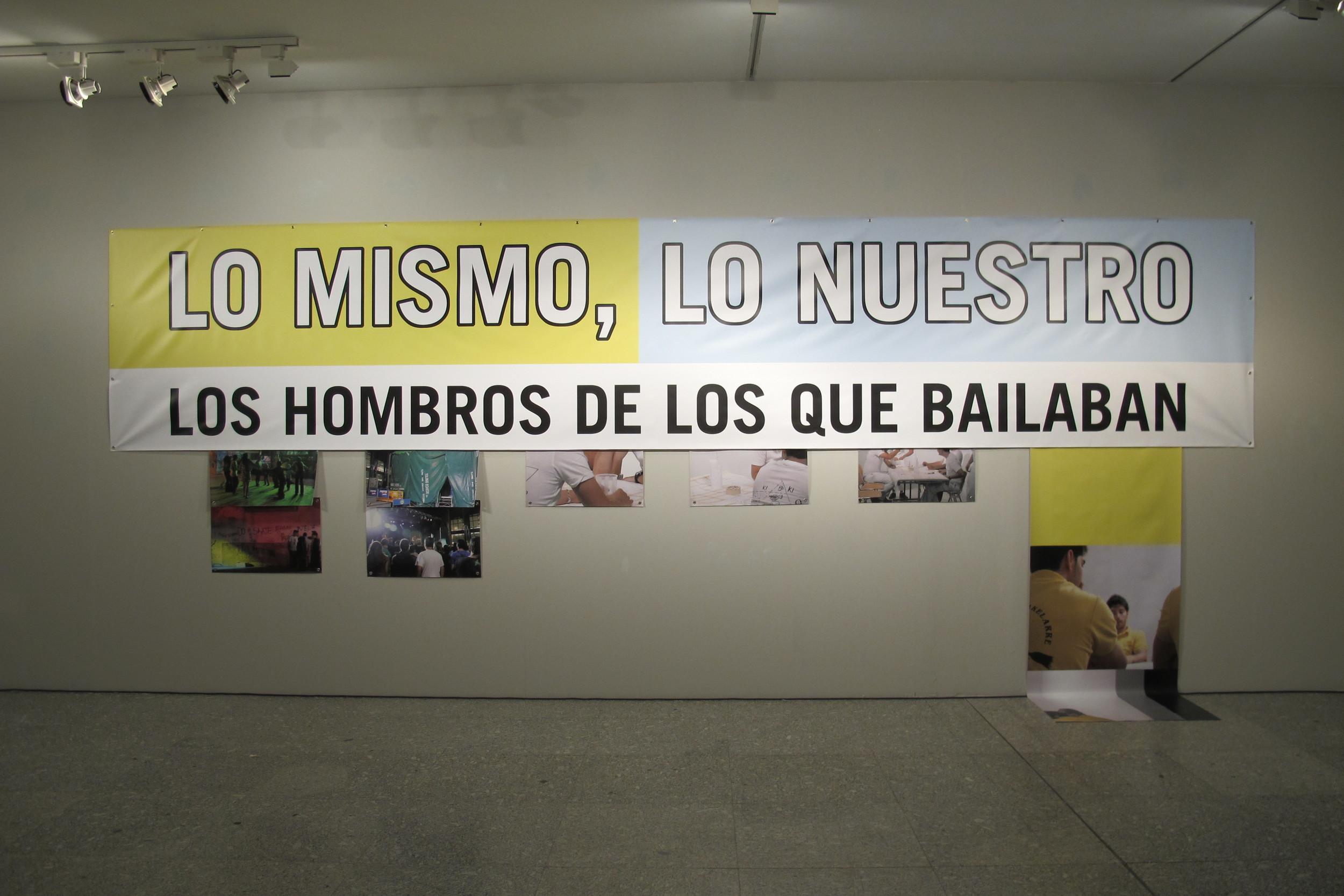 LO MISMO, LO OTRO Banners 196 x 160 x 118 2011