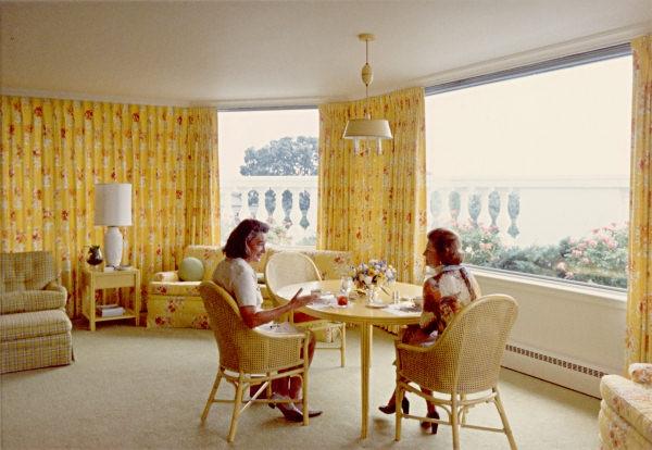 sun-room-ford-1974-se.jpg.647x0_q100.jpg
