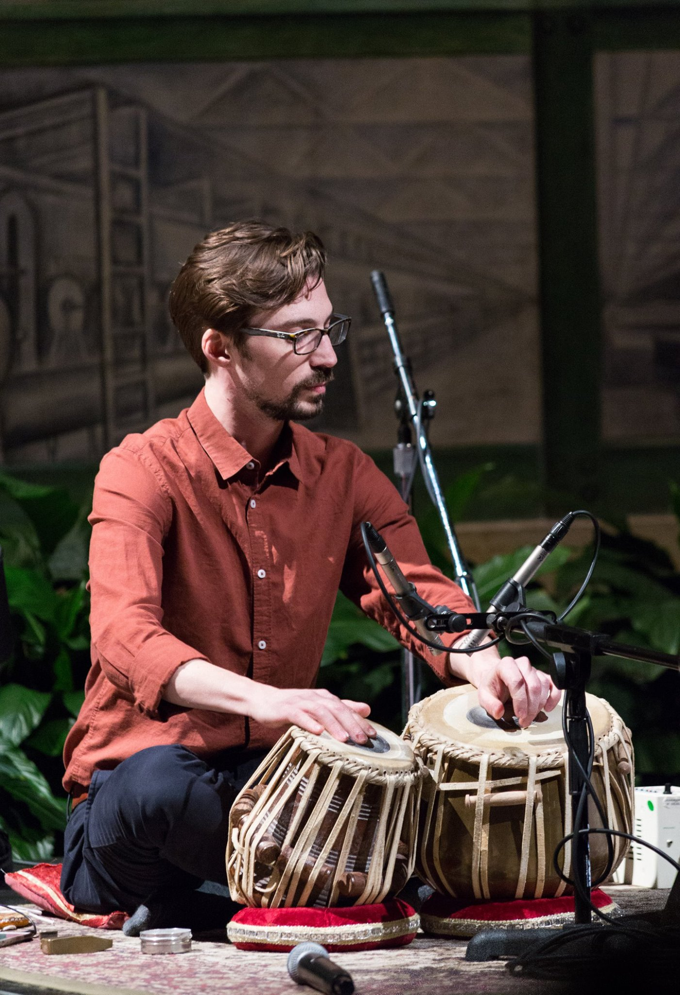 Performing at the Detroit Institute of the Arts wth Sonya Belaya, March 2018.  Photo Credit: David Newton