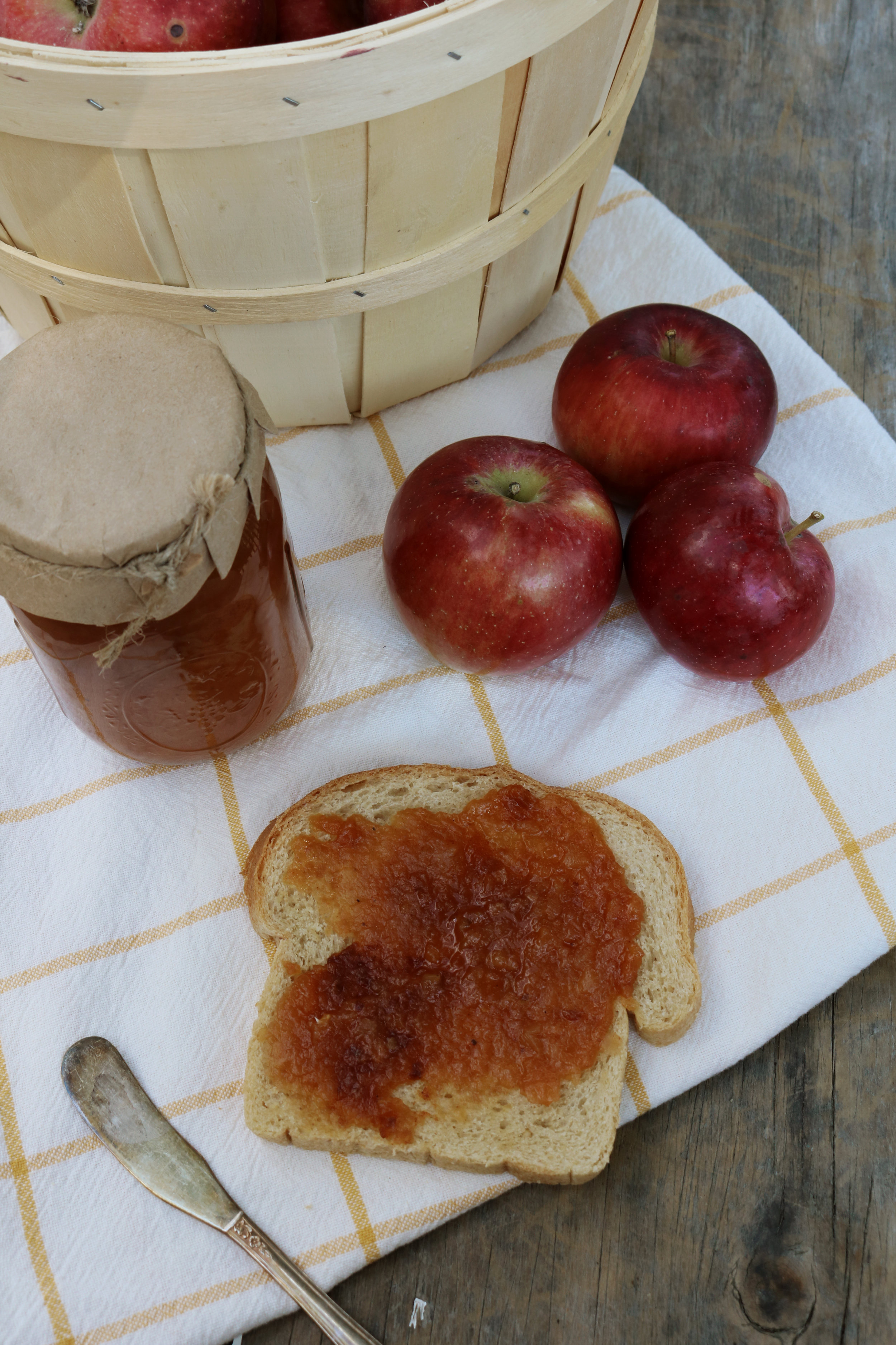 How to Make and Can Apple Butter - Under A Tin Roof Blog