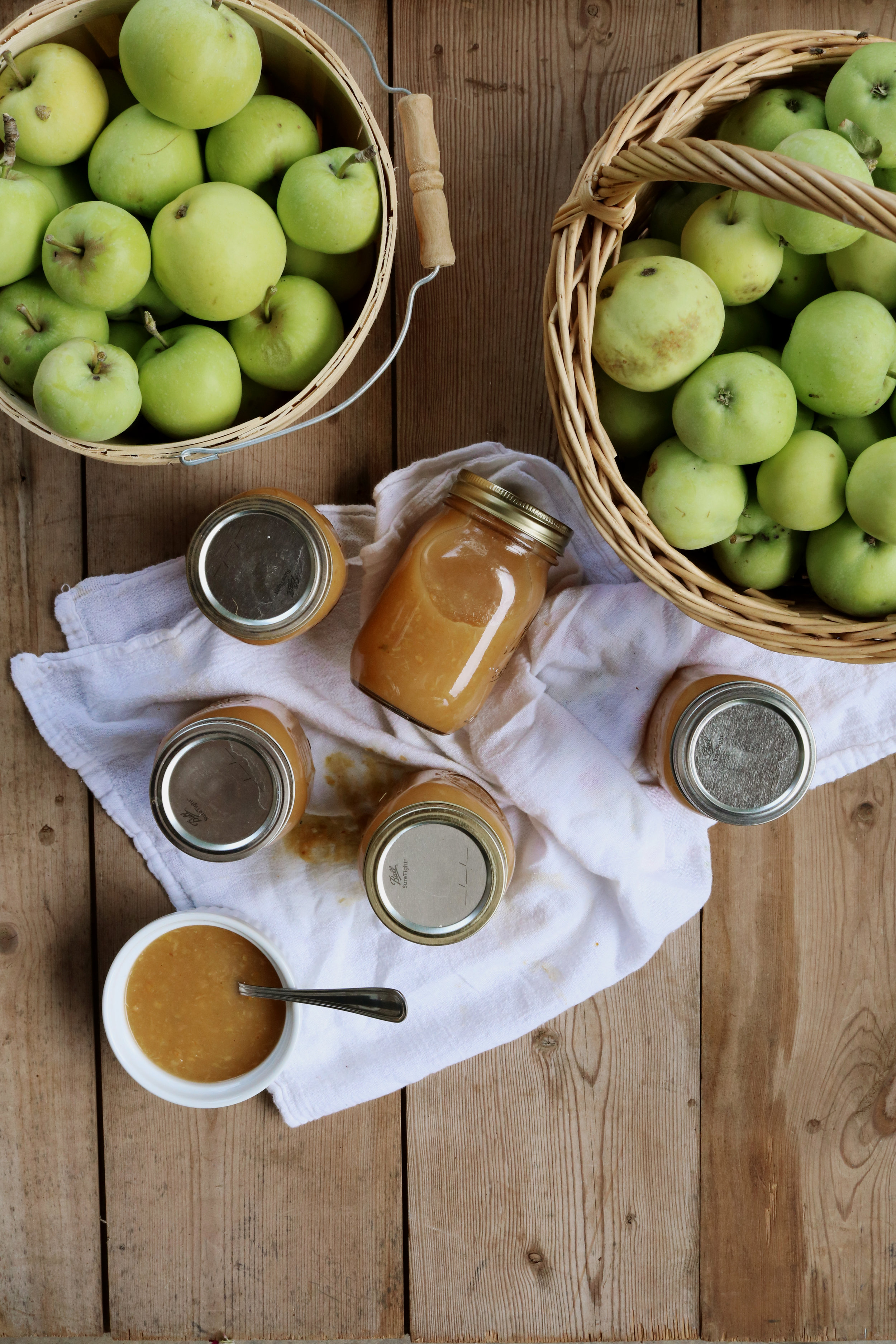 How to Make and Can Applesauce - Under A Tin Roof Blog