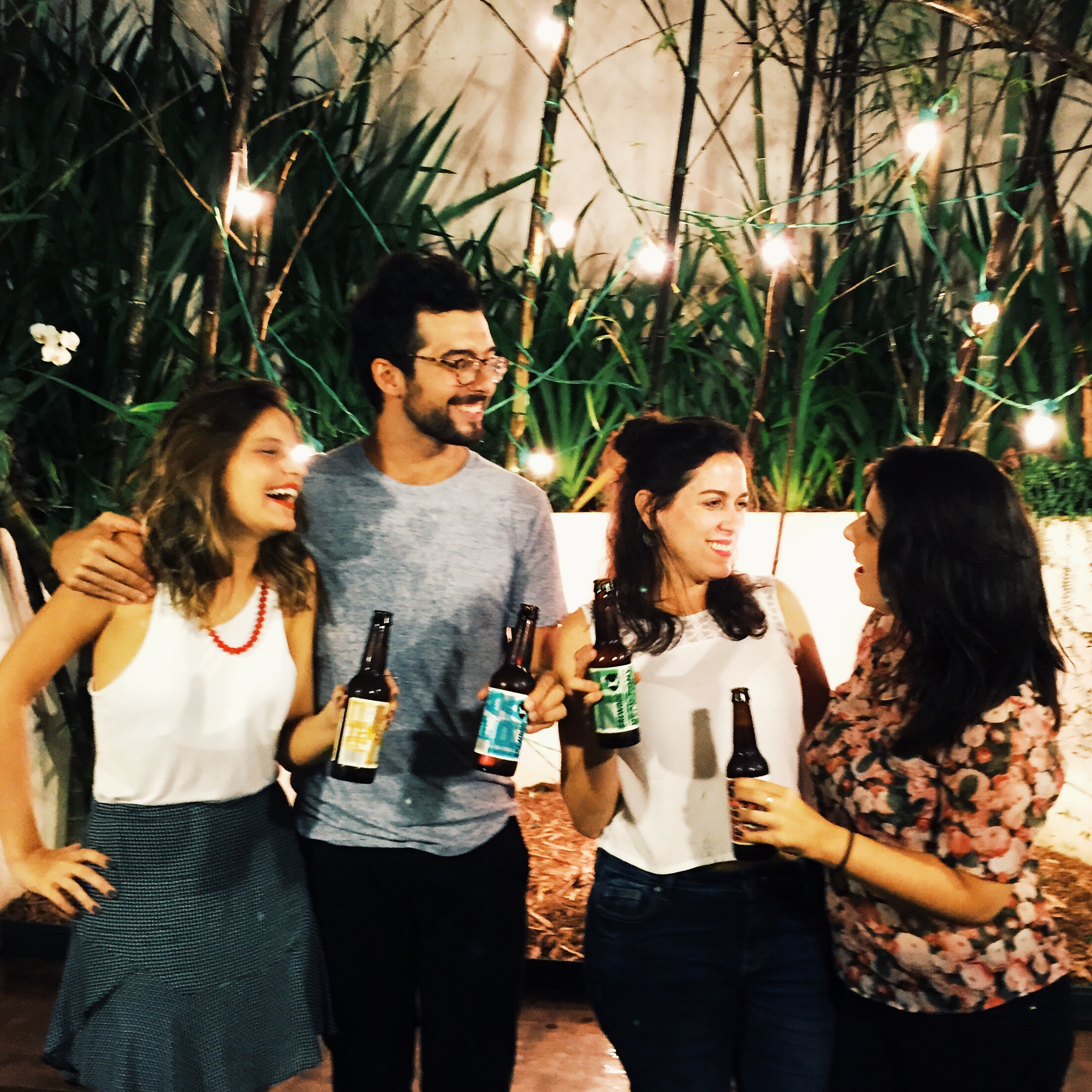 Equipe reunida para brindar os dois anos de Coentro com as cervejas super especiais do  BrewDogBar São Paulo