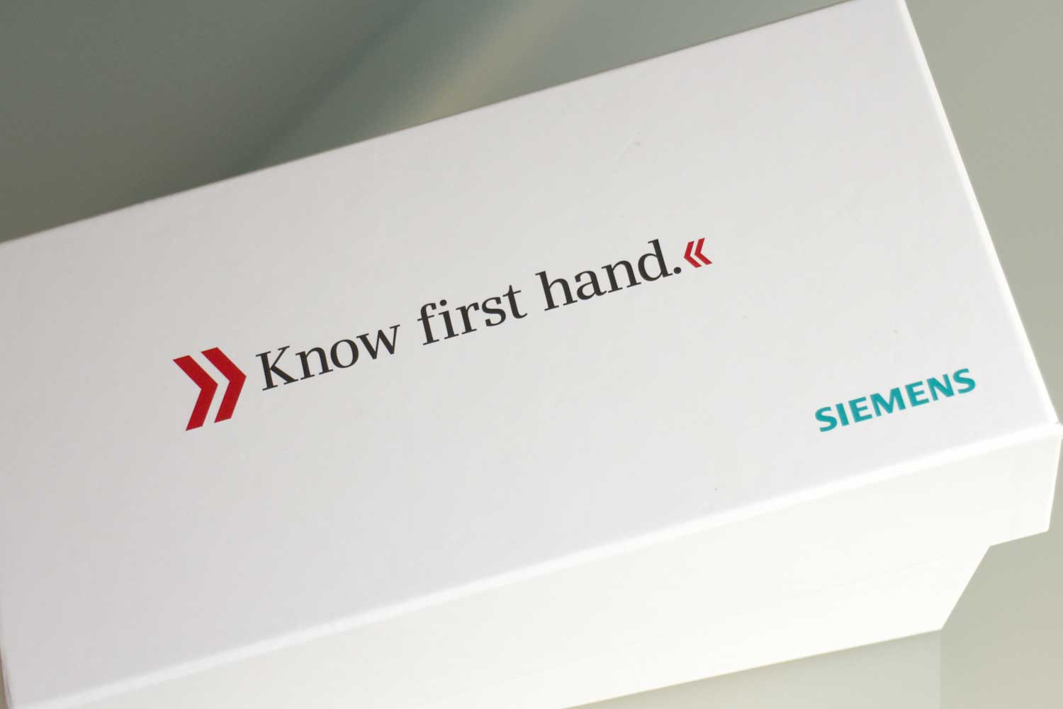 Siemens Lifeworks Direct Mail Invitation - Using paper over board box