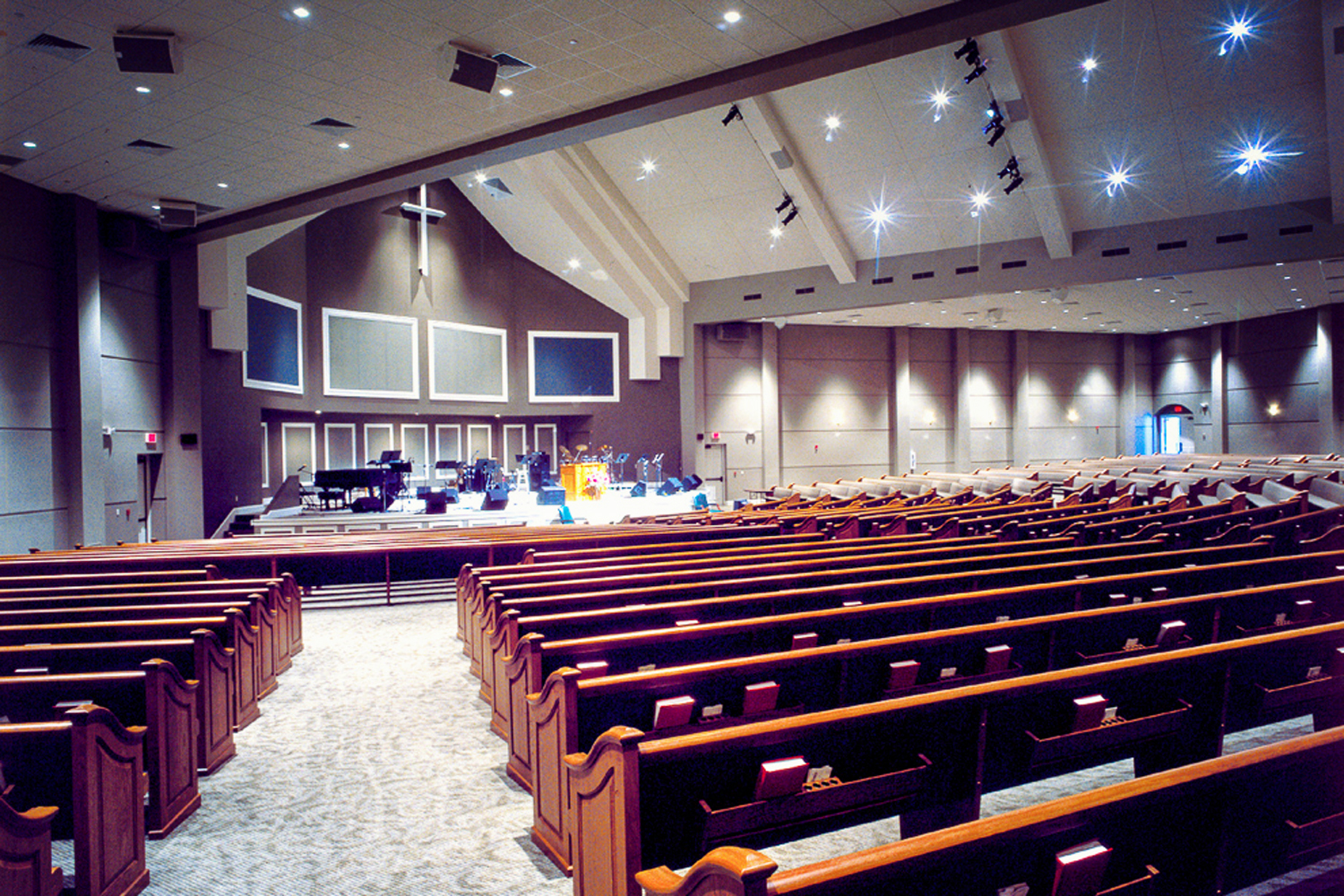 Grace-Evangelical-in-Memphis,-Tennessee-_-Church-and-Worship-Design-Construction-1.jpg