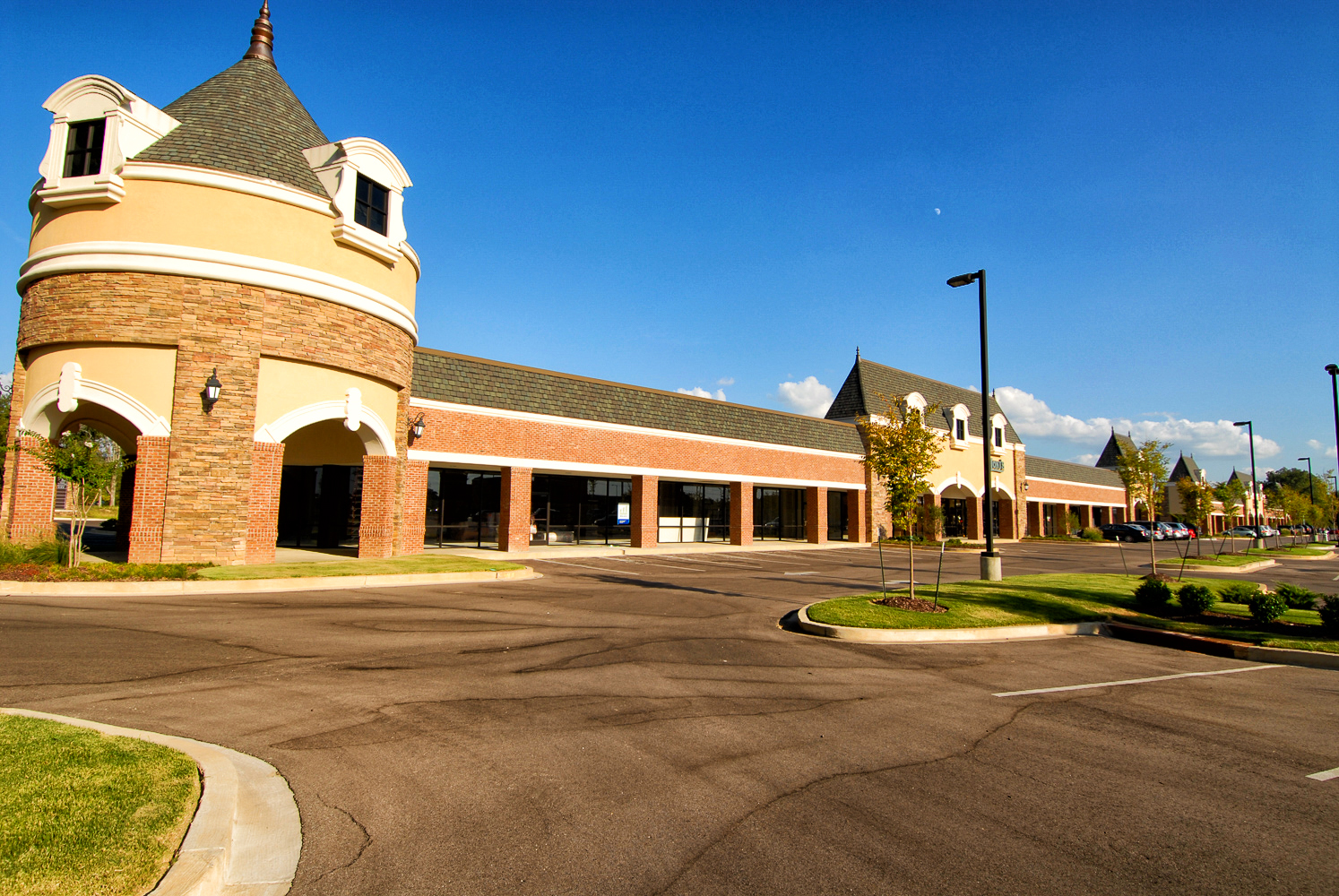 Houston Levee Galleria of Memphis, Tennessee -- Retail Mixed-use Design Construction-5.jpg