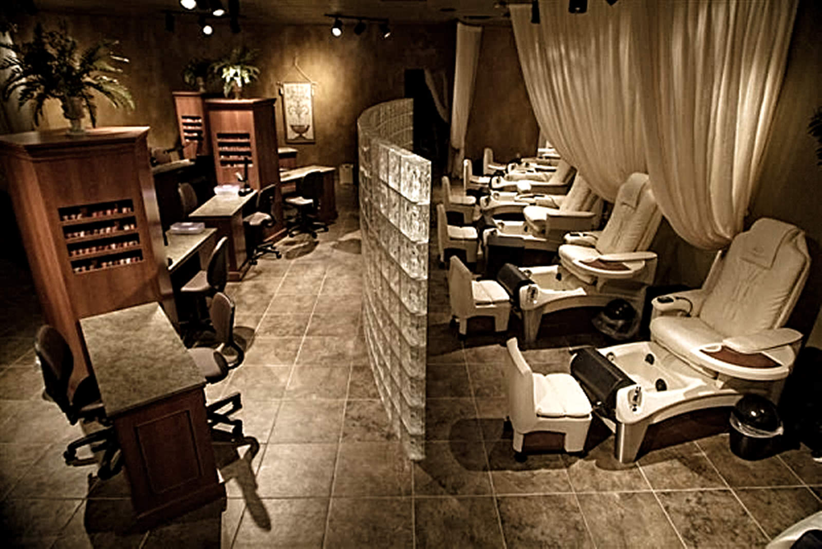 Gould's-Day-Spa-and-Salon-of-Collierville-Tennessee---Interior-Construction.jpg
