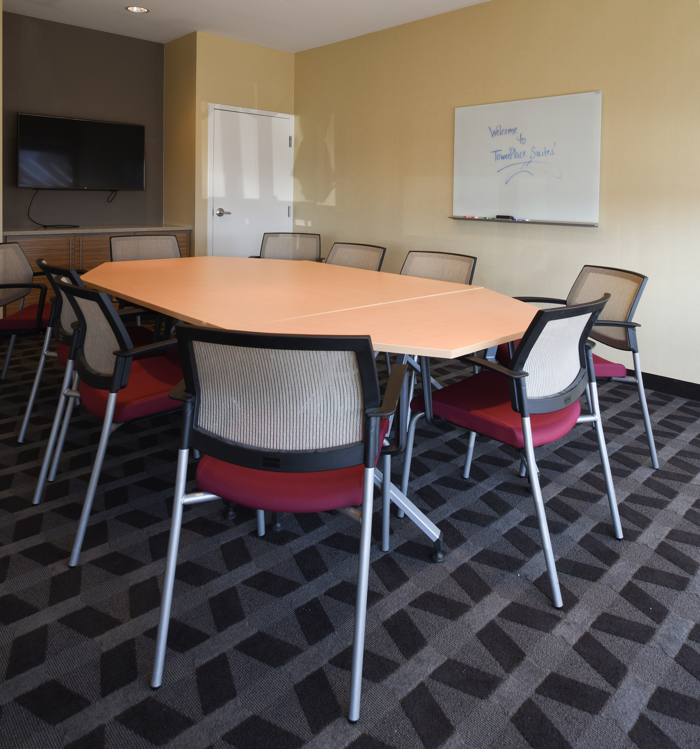 Towneplace Suites_Conference Room_WEB.jpg