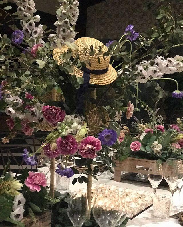 Mesas mágicas y con poesía que hablan por sí solas #flowersmagic #instaflower #flowerpower #afloremio