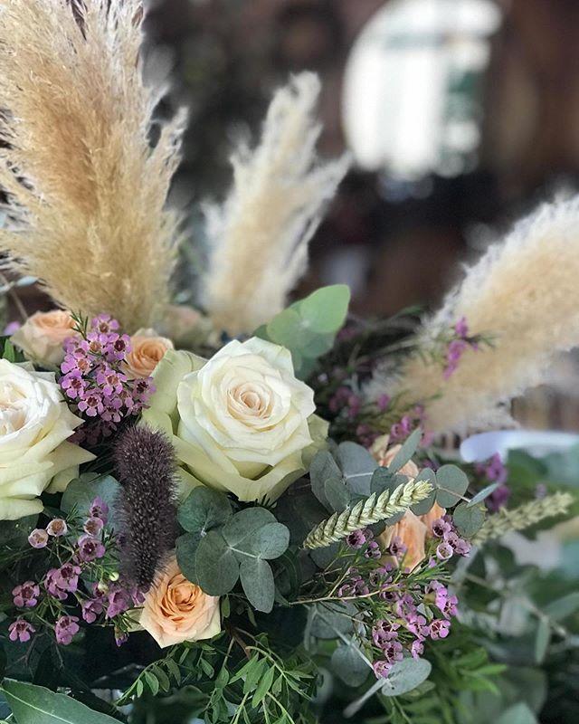 Os deseamos un domingo muy feliz ! #happyflowers #flowerpower #floweraday #flowerslovers #afloremio