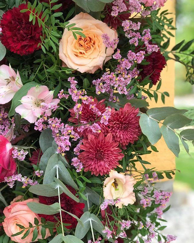 Nuestros colores de hoy . Feliz sábado a todos !!! #happytime #happyday #flowerpower #creativity #afloremio