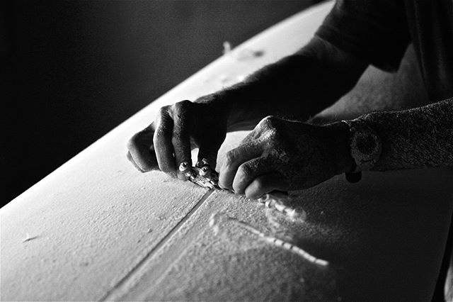 That is how it is done...⁠ ⁠ Production photo from our documentary BoardRoom - Legends of Surfboard Shaping.⁠ ⁠ Subscribe to our youtube channel for more content.⁠ ⁠ https://www.youtube.com/user/BoardRoomFilms⁠ ⁠ #surfing #surfboards #shapers #legends #history #documentary #legacy #heritage ⁠ ⁠