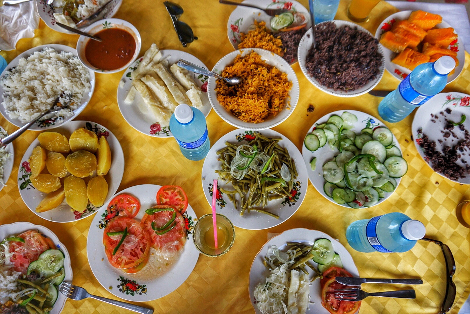 A typical Cuban meal. Warnings of a culinary nightmare were unfounded.)