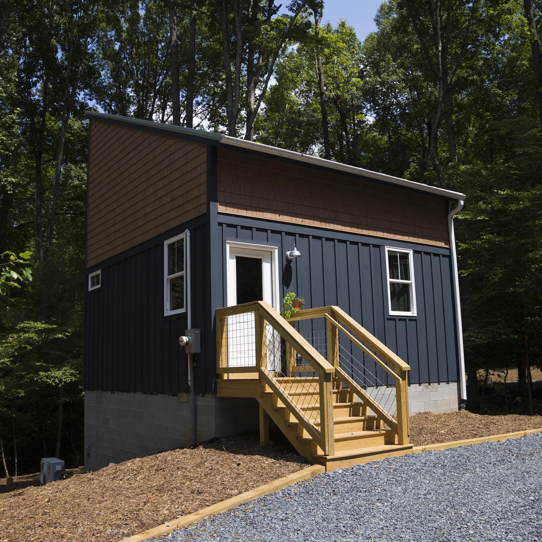 cabin_three02.jpg