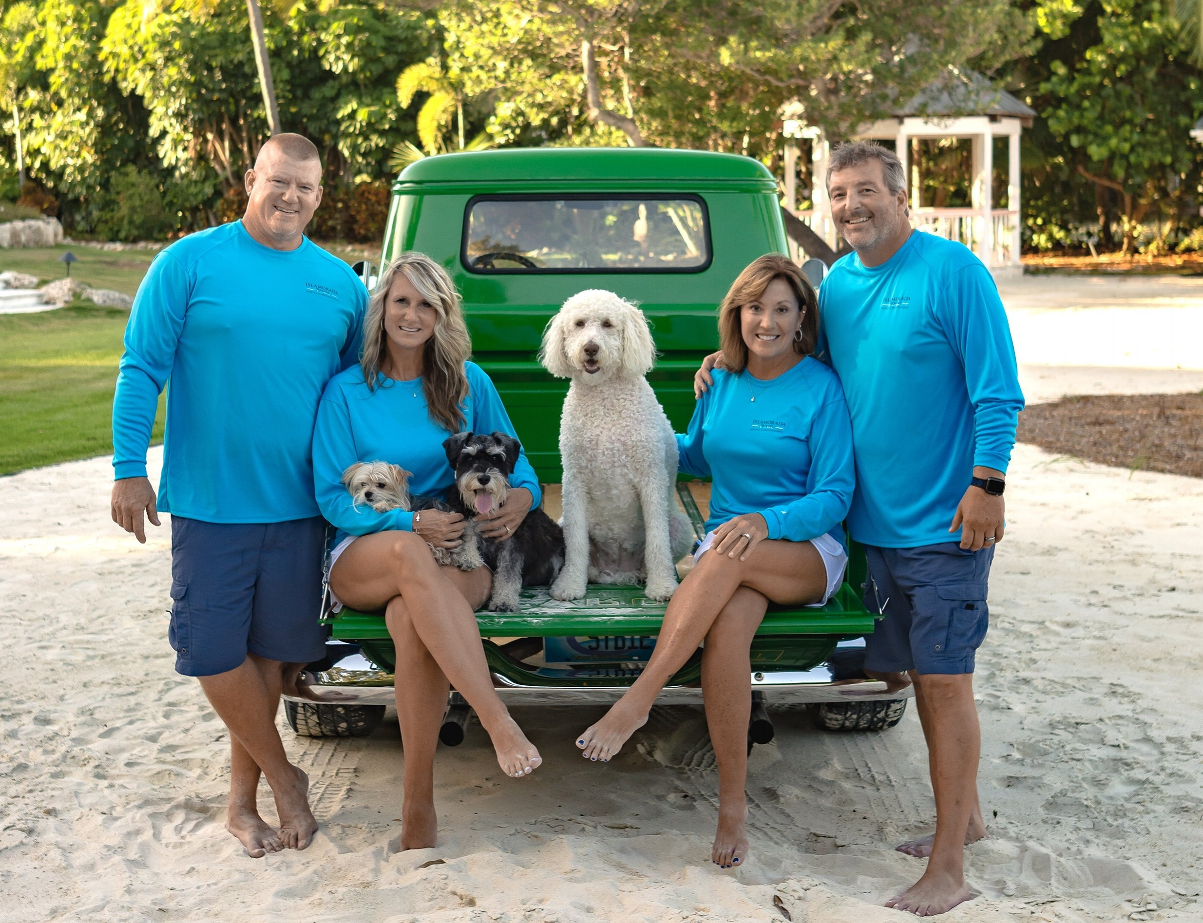(Left to Right) Roger & Tiffany Williams,Jenny & Dan Dillon and dogs: Ellie, Knox and Belle