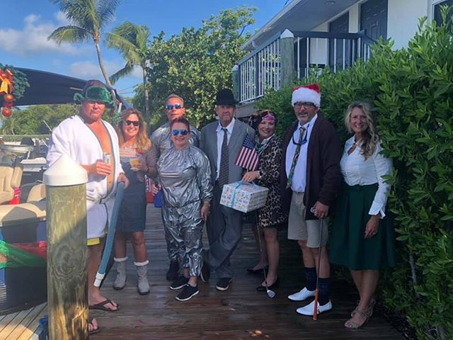 Conch Scramble 2019! ⛳️ Merry Christmas from the cast of National Lampoons Christmas Vacation! #islamoradapools
