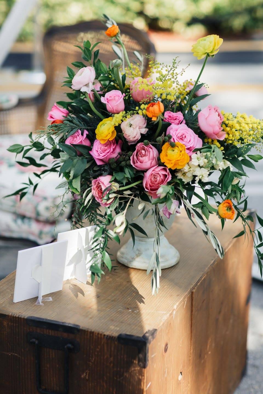 Gorgeous florals by Designs by Darenda.