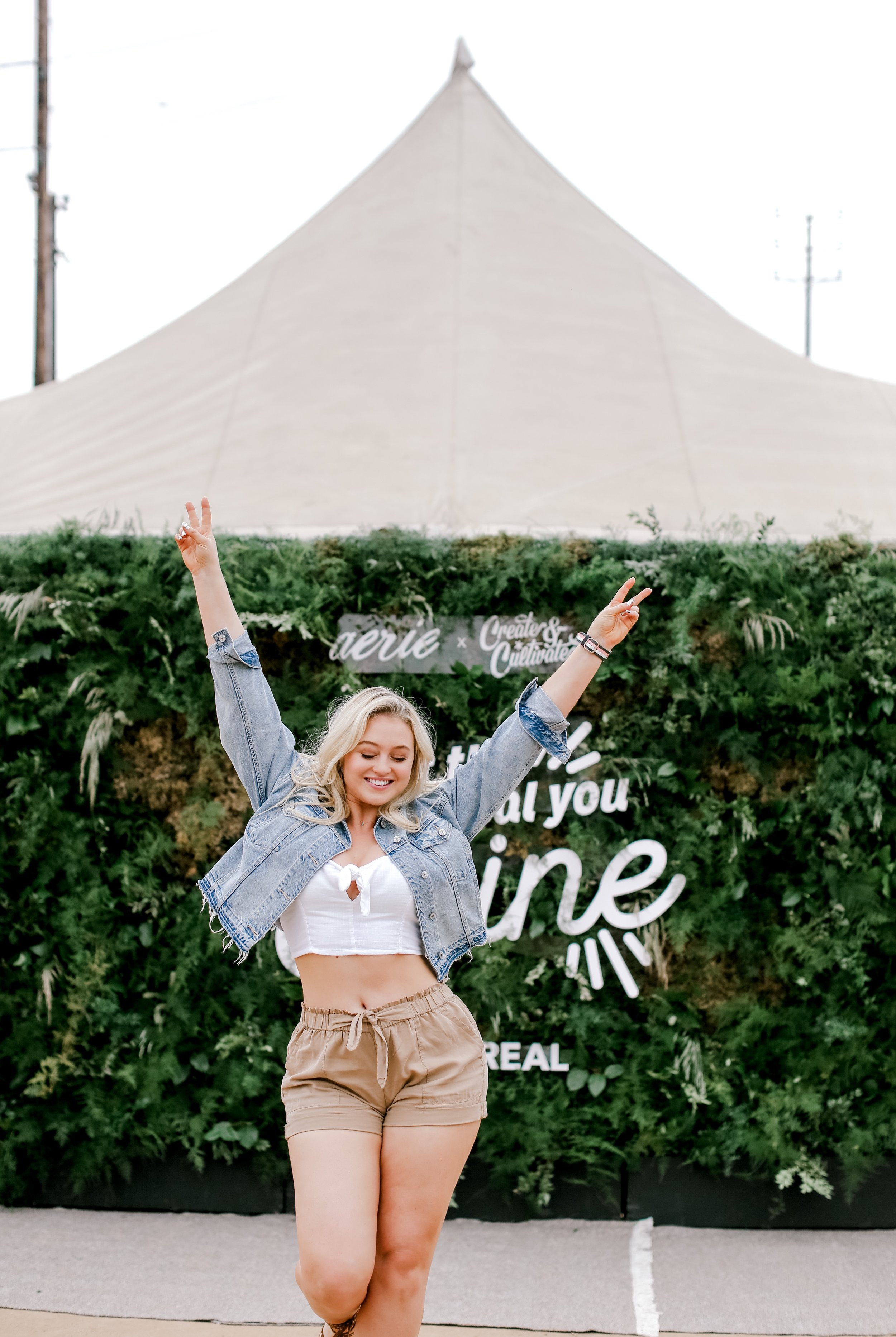 Iskra Lawrence opens the first #AerieREALtreat in Los Angeles.