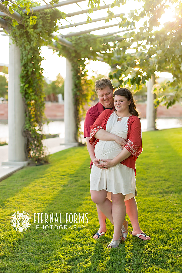 outdoor maternity photography Austin