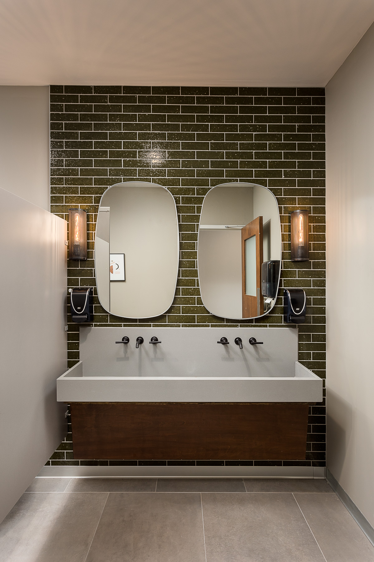 restroom wet wall