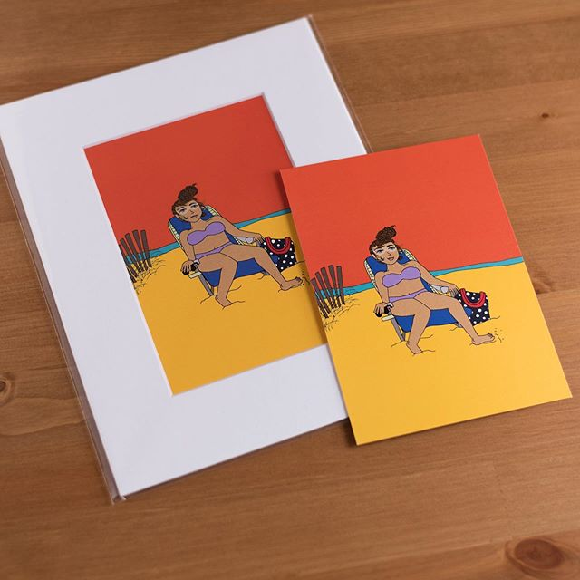 ☀️ Beach weather is back // shop these colorful 'Beach Girl' prints on Etsy👙