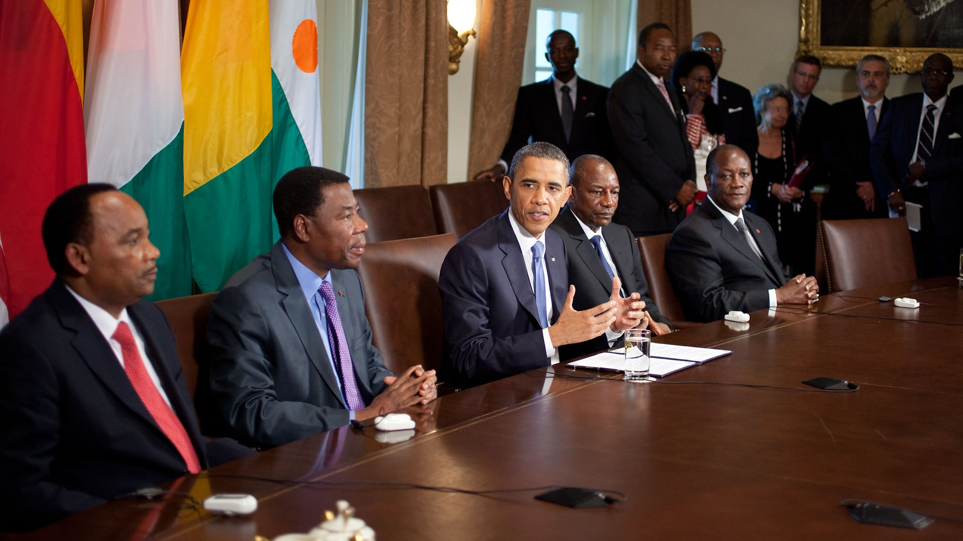 potus_with_african_leaders.jpg