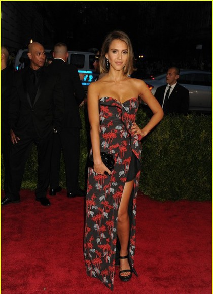She's so pretty..Who let her wear this dress and shoes?