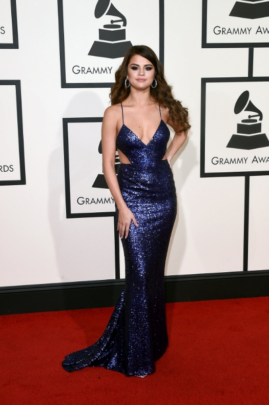 Selena Gomez always looks so beautiful on the red carpet. This look was giving me 2005 prom and I did not like it. I definitely expected more from her.