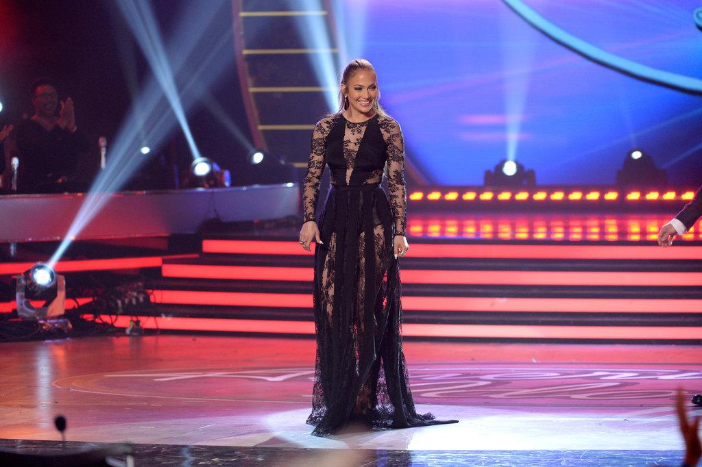 Jennifer-Lopez-Dresses-American-Idol-Season-14-Finale.jpg