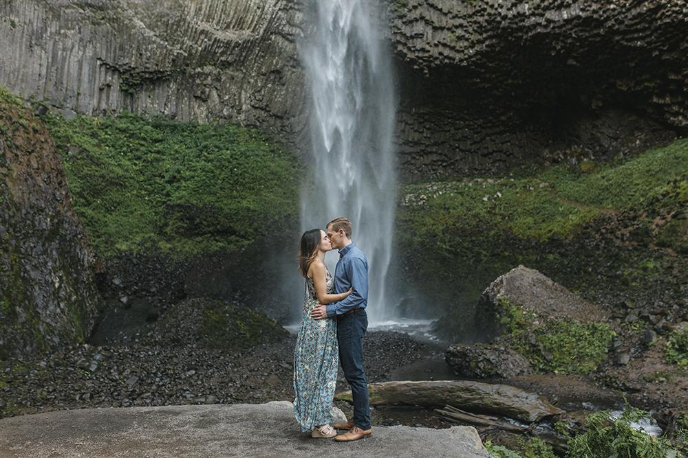 Latourel Falls Engagements25.jpg