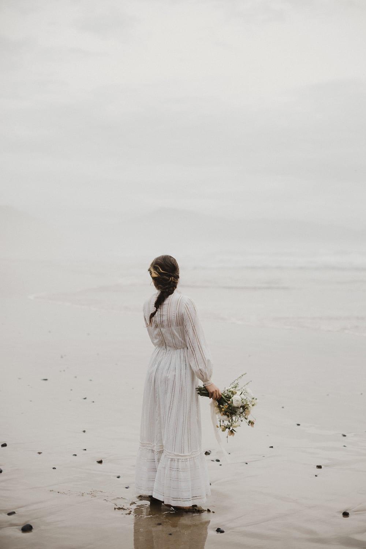 Oceanside Oregon Elopement89.jpg