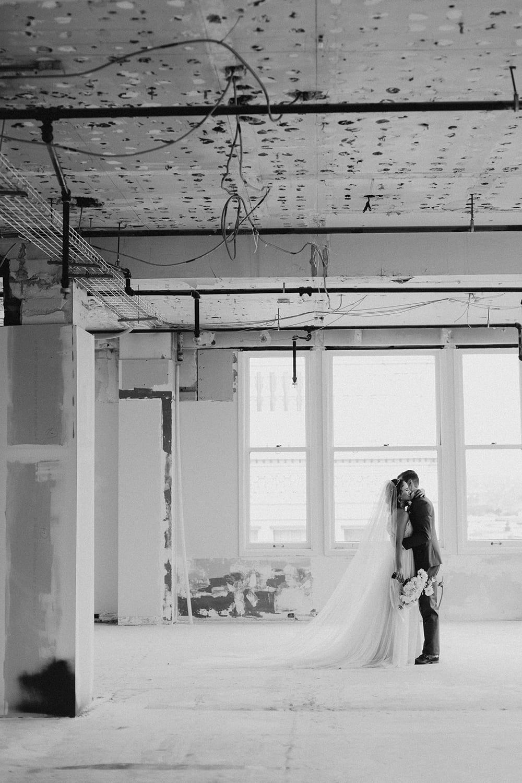 Bluehour Portland Wedding105.jpg