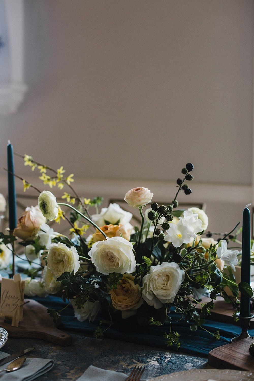 Rainier Chapter House Wedding12.jpg