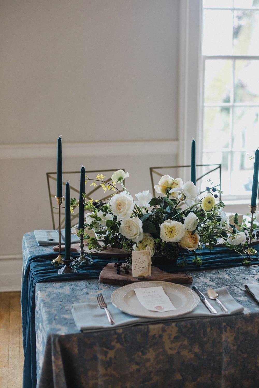 Rainier Chapter House Wedding19.jpg