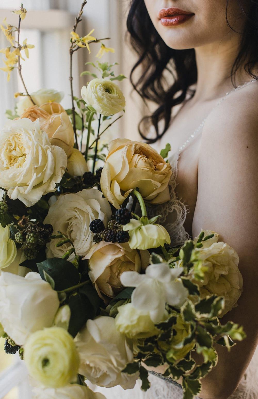 Rainier Chapter House Wedding98.jpg