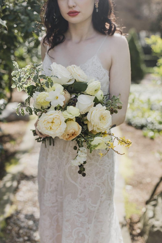 Rainier Chapter House Wedding201.jpg