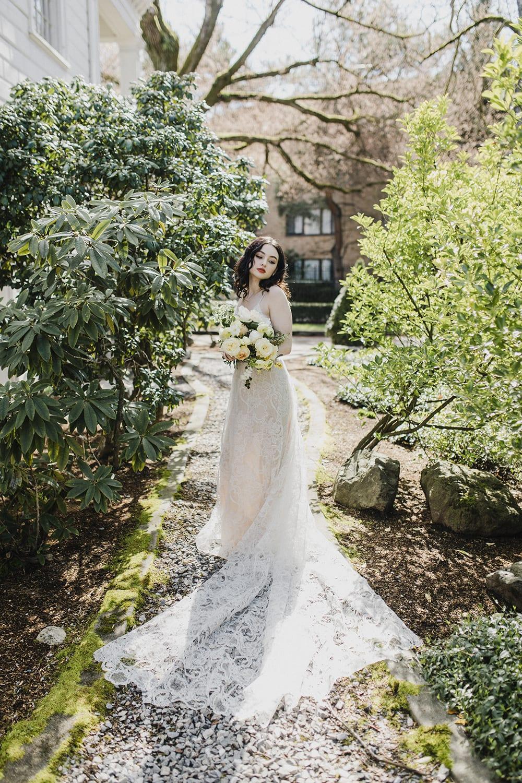 Rainier Chapter House Wedding204.jpg