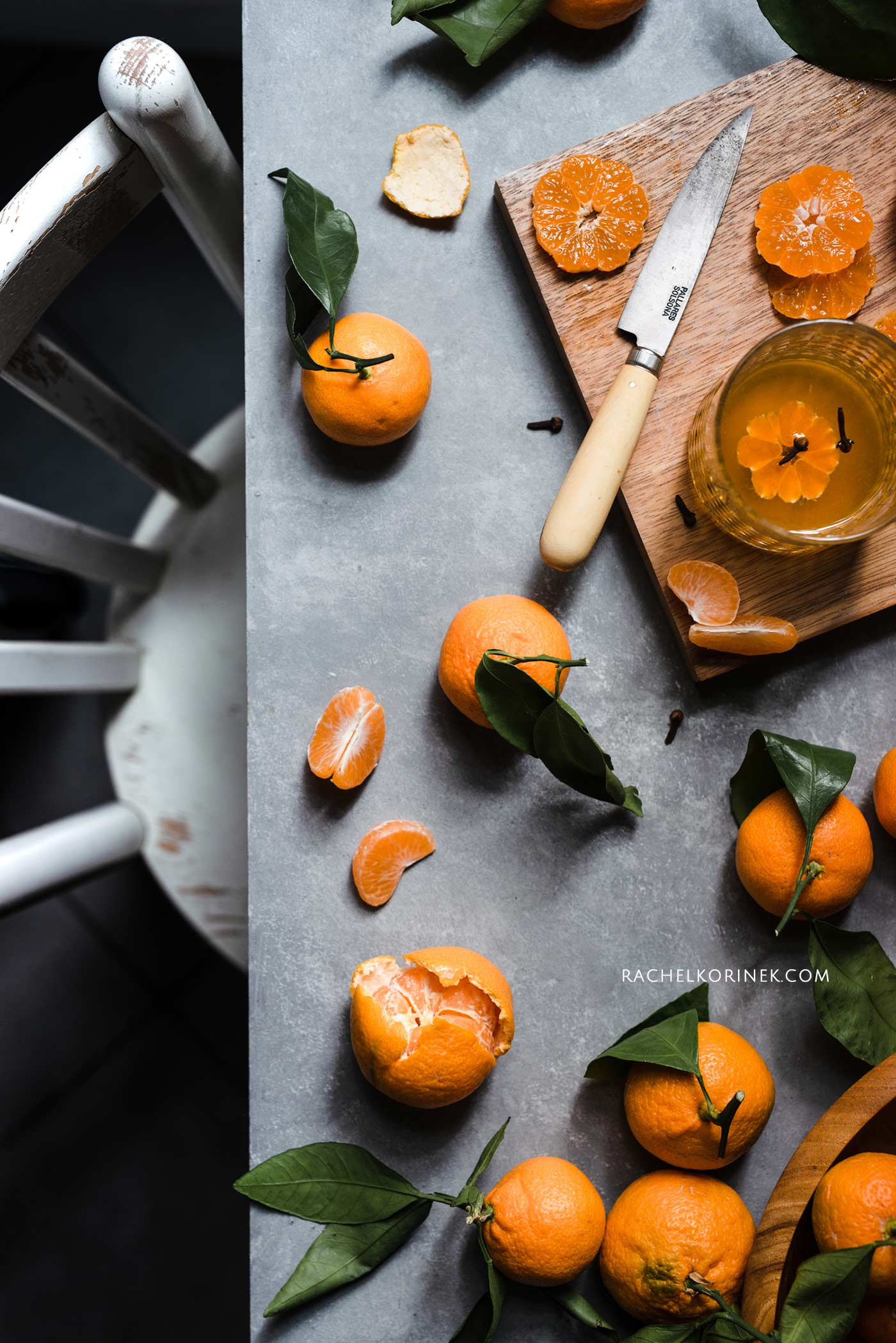 Rachel Korinek | Food Photographer Satsuma Mandarin Flatlay  Click to check out my latest food photography projects.  #twolovesstudio #beautifulcuisine #foodbloggerpro #foodphotography #learnfoodphotography #foodblogger #learnphotography #foodstyling #lightingtips #naturallight #foodphotographer