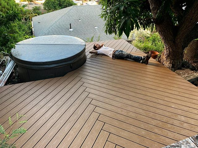 Come to a good stopping point and enjoy your weekend 😎#alohafriday #customdeck #deck #deckthehalls